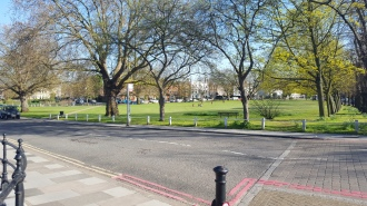 Park at Kew Bridge